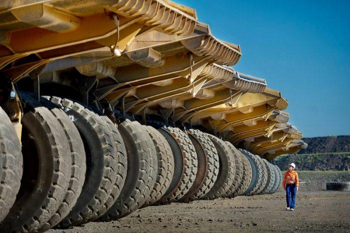camiones-mineria-e1595370975307.jpg