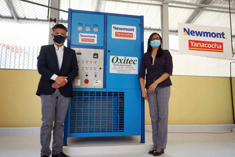 Newmont-y-Yanacocha-entregaron-formalmente-dos-compresoras-y-30-balones-de-oxigeno-al-Hospital-Regional-Docente-e1604584774794.jpg